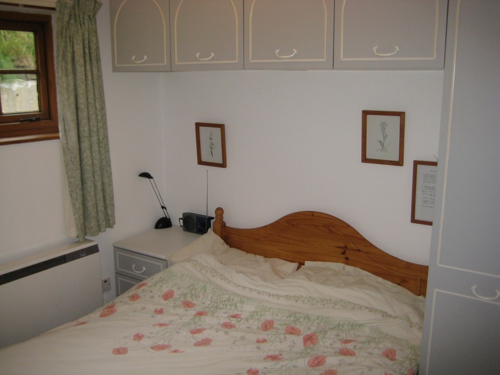 Double bedroom in Poppit Sands
