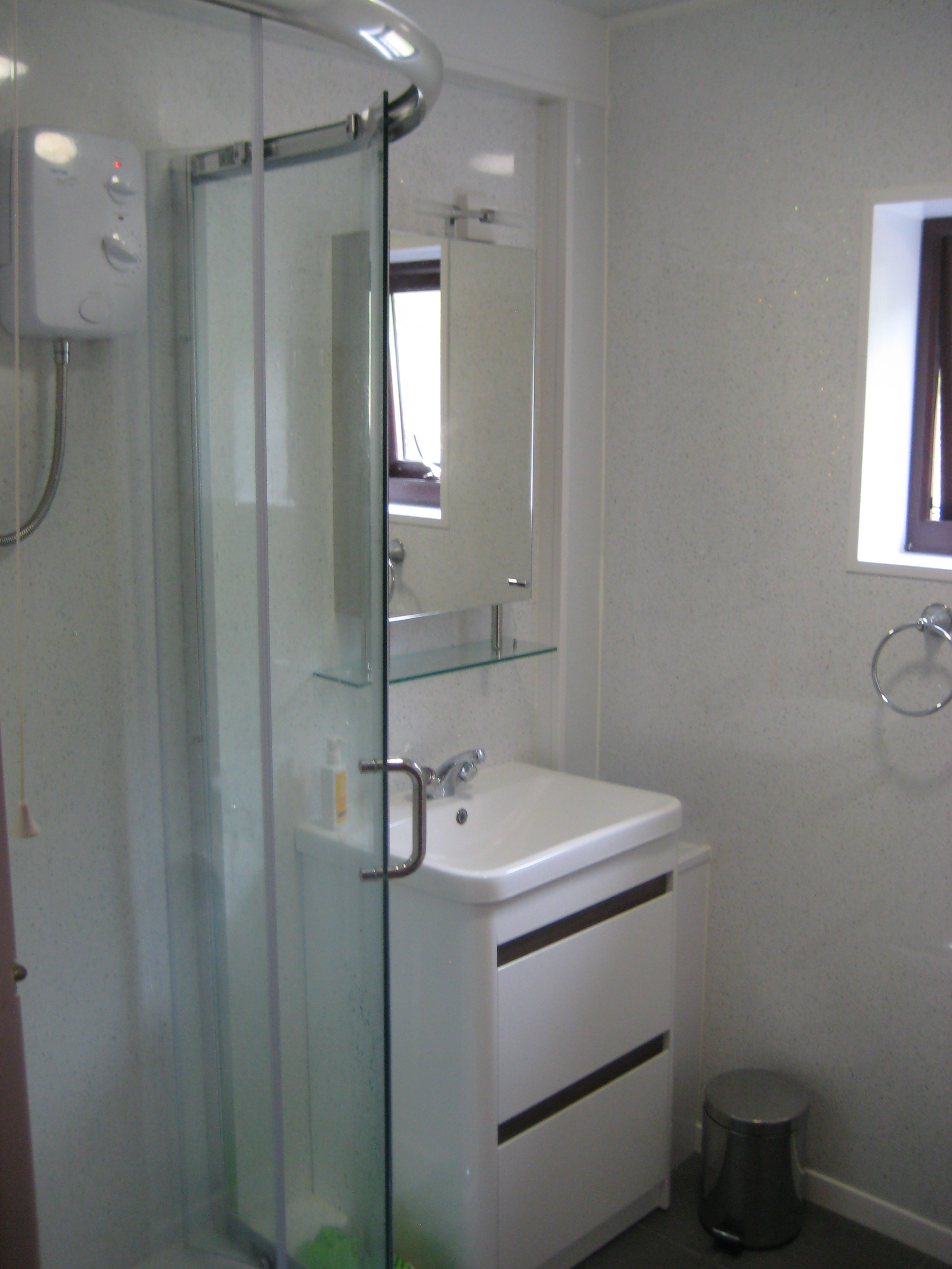 Show and basin in bathroom